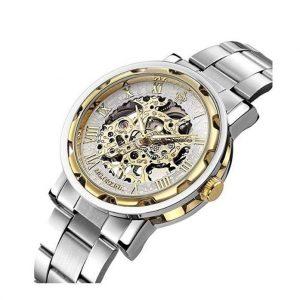 b27c9d002c65 Queremos cerrar esta comparativa con un modelo clásico de reloj automático  que tiene un aspecto muy similar al anterior